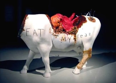 EAT my fear - David Lynch (2000) - The crazy cow eating...